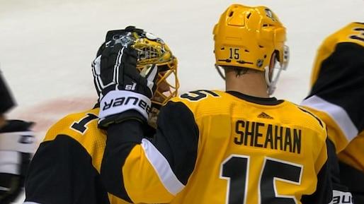 DeSmith et Aston-Reese brillent dans la victoire des Penguins