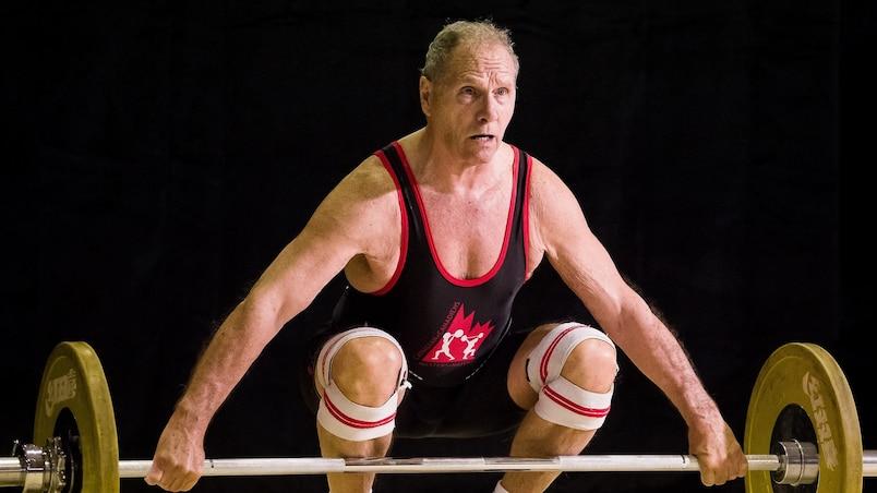 Champion d'haltérophilie à... 85 ans!