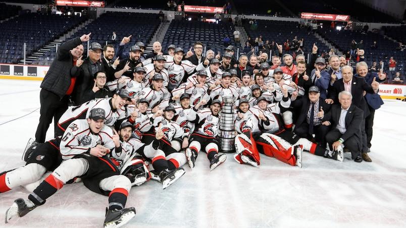 Les Huskies sont champions de la LHJMQ!