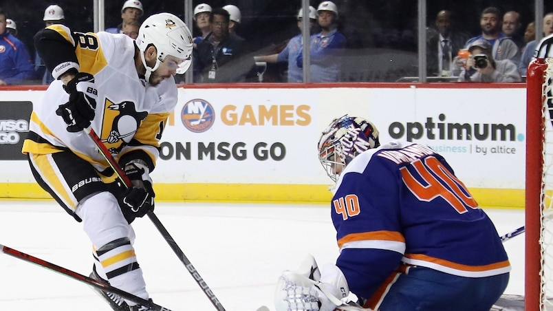 HKN-HKO-SPO-PITTSBURGH-PENGUINS-V-NEW-YORK-ISLANDERS