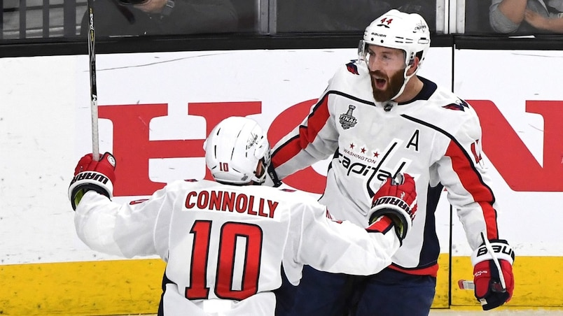 Brett Connolly et Brooks Orpik