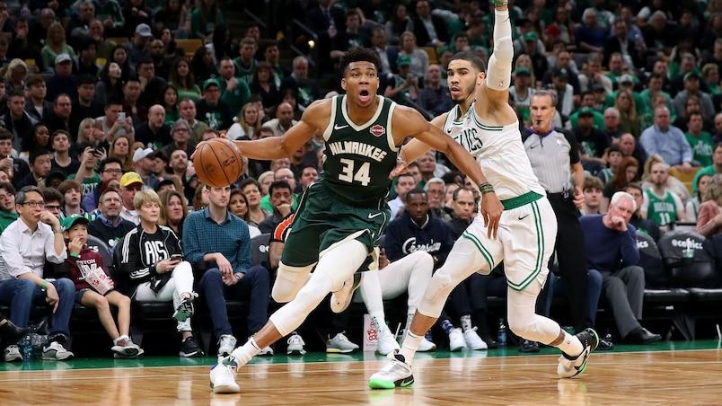 Antetokounmpo soulève les Bucks à Boston