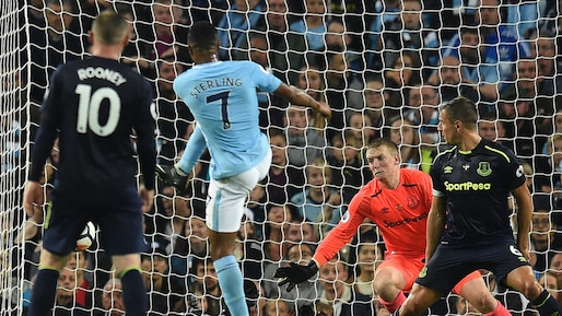 Sterling sauve City de Rooney et Everton