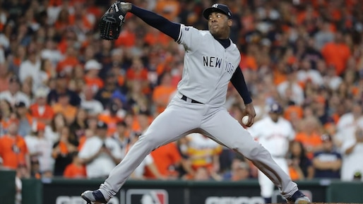 Aroldis Chapman reste avec les Yankees