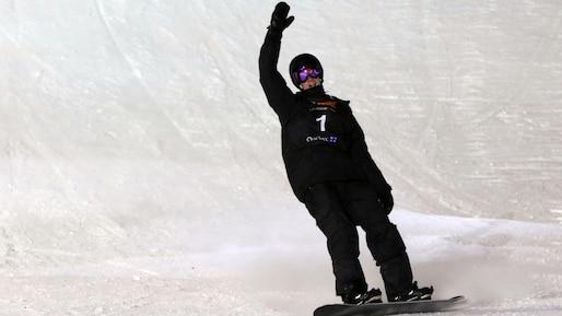 SPO-SNOWBOARD-PARROT-BIG-AIR-LEAD