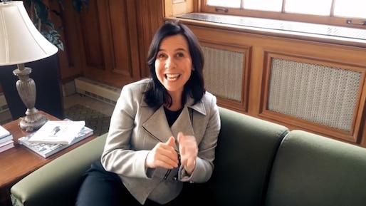 Kevin a reçu un message de la mairesse de Montréal