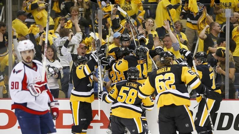 Les Penguins rejoignent le Lightning