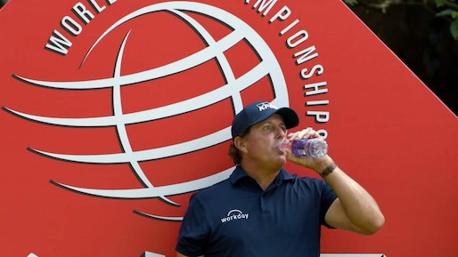 Phil Mickelson toujours dans le top 50