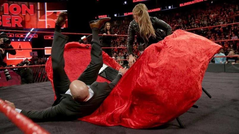 Cette semaine dans l'univers de la WWE : des débuts fracassants pour Ronda Rousey!